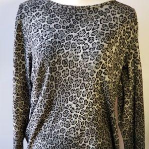 Jones New York leopard print sweater size XL